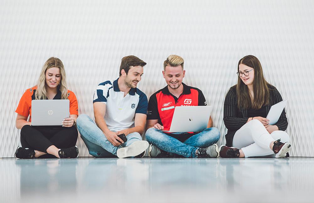 Schueler&Studenten bei KTM